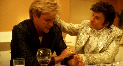 matt-damon-and-michael-douglas-get-intimate-and-fight-in-behind-the-candelabra