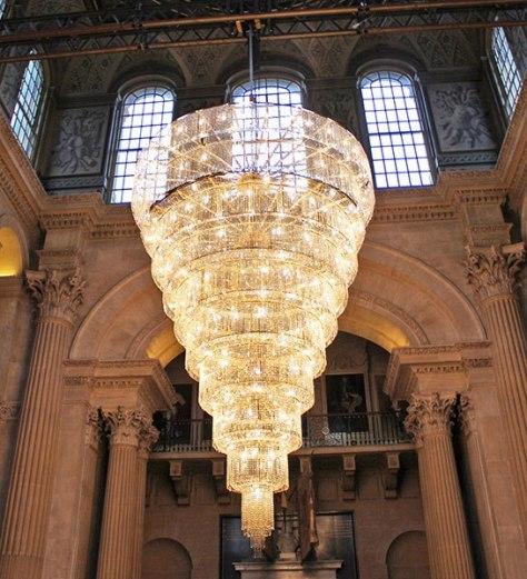 cn_image_0.size.ai-wei-wei-blenheim-palace-04-chandelier-installation